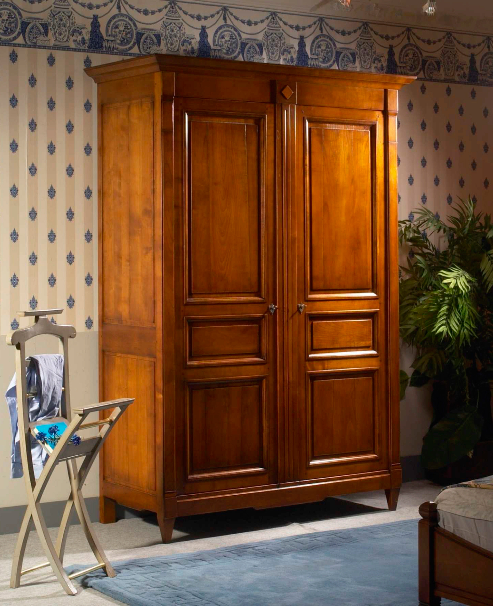 meubles richelieu armoire 2 portes de style directoire. Black Bedroom Furniture Sets. Home Design Ideas