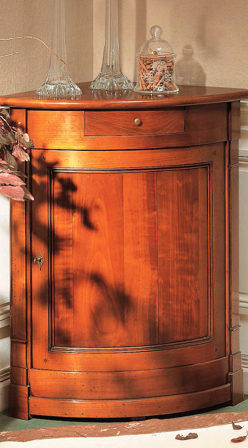 richelieu-corner-cabinet
