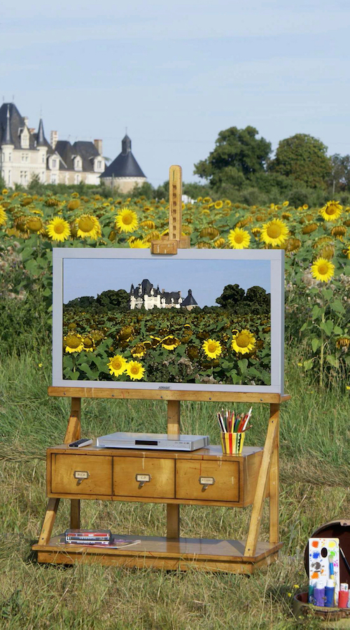 richelieu-trestle-for-flat-screen