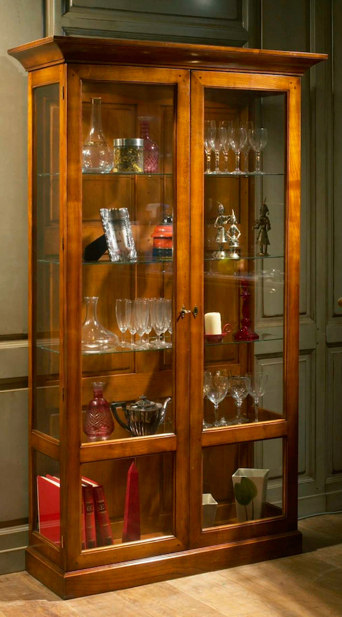 Richelieu-furnitures-display-cabinet